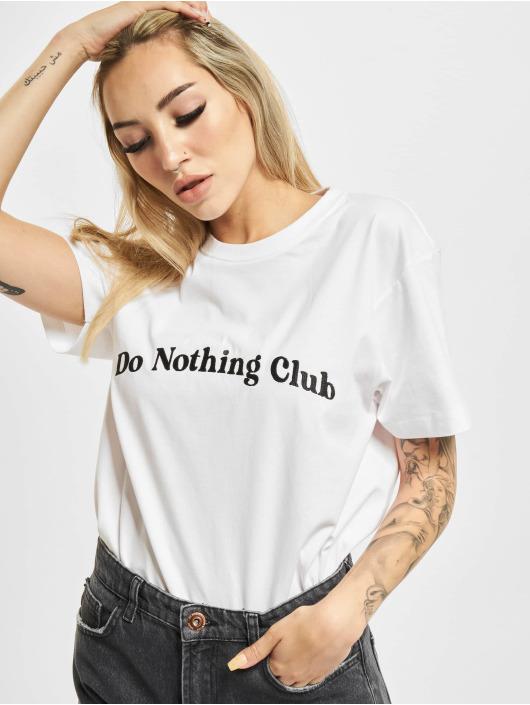 On Vacation Tričká Bubbly Do Nothing Club biela