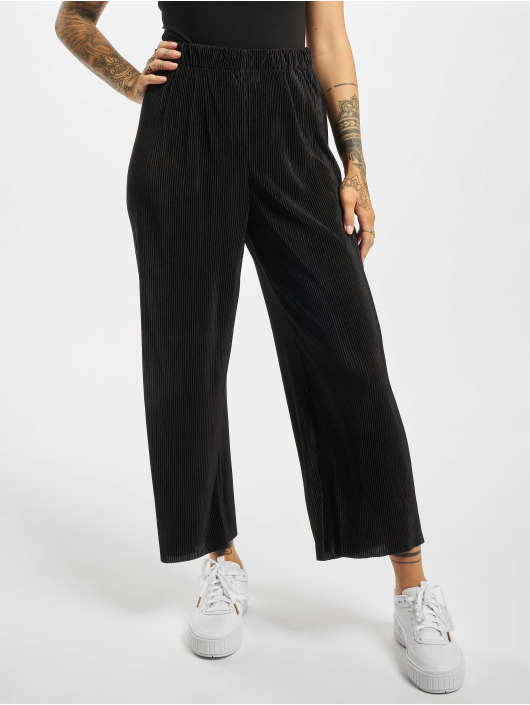 Only Chino onlClaudia Plisse Cropped schwarz