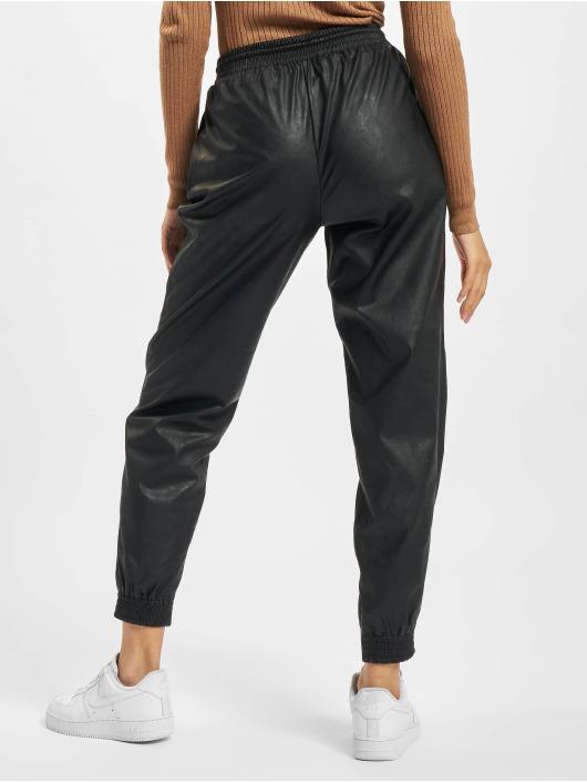 Only joggingbroek Onlmady Faux Leather zwart