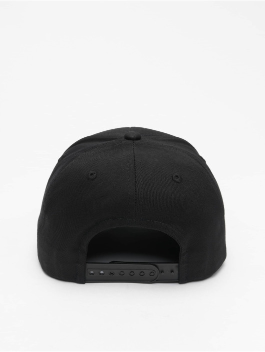 Pelle Pelle Snapback Caps Chained Icon Curved musta