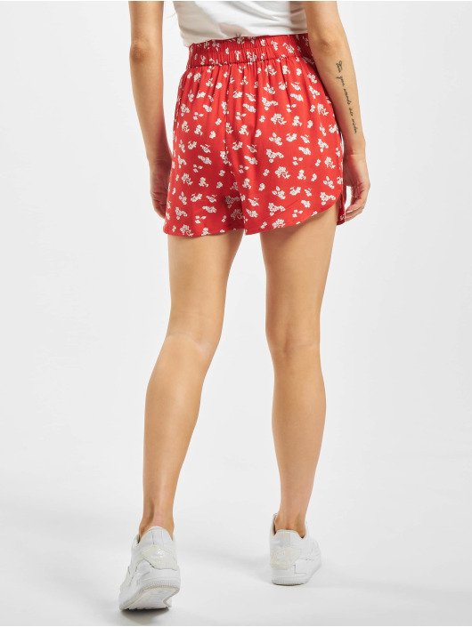 Pieces Shorts pcNya High Waist red