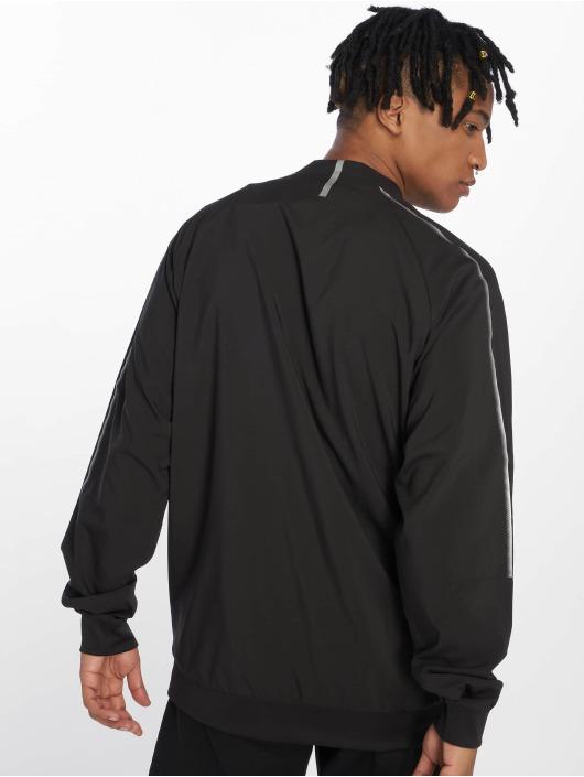 Puma Performance Treningsjakke Brand-Logo-Stitches an den Schultern svart