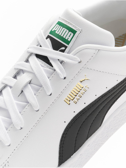 Puma Sneaker Basket Classic XXI weiß