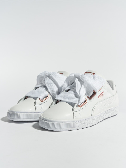 Puma Sneakers Basket Heart Leather white