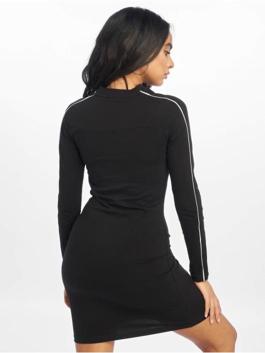 Puma Sukienki Classics czarny