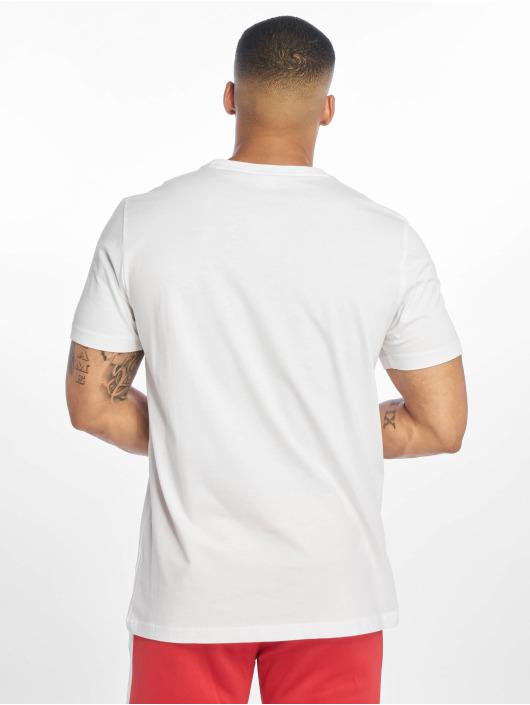Puma T-shirt Classics Logo vit