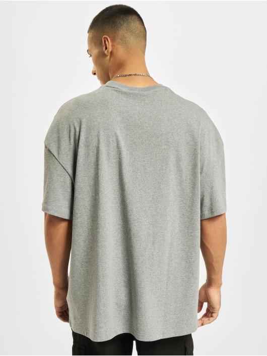 Puma T-skjorter Classics Boxy grå