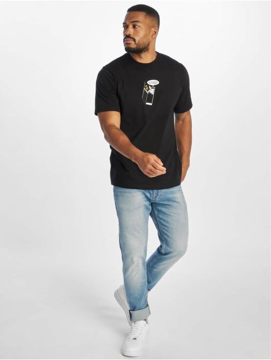 Raised by Wolves t-shirt Bunker zwart