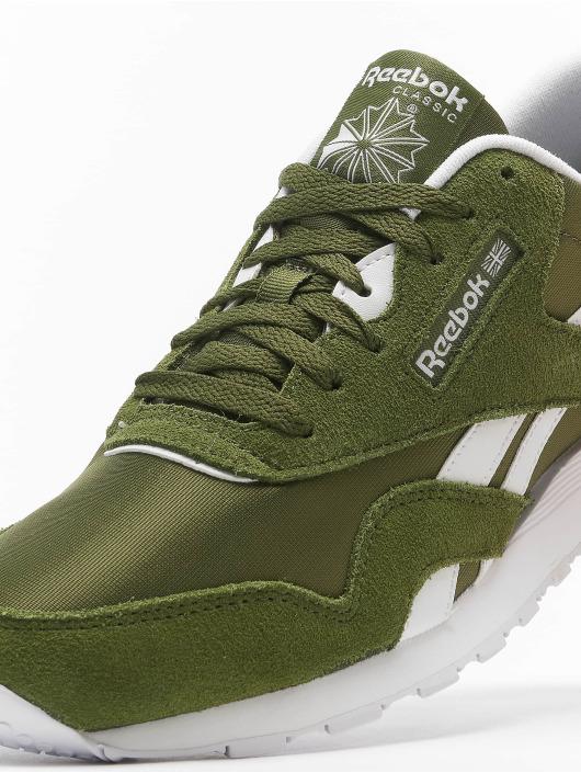 Reebok Сникеры Classics Nylon зеленый