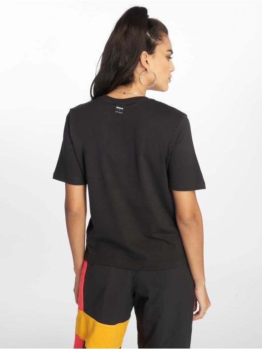 Reebok Damen T Shirt Gigi Hadid in schwarz 623722
