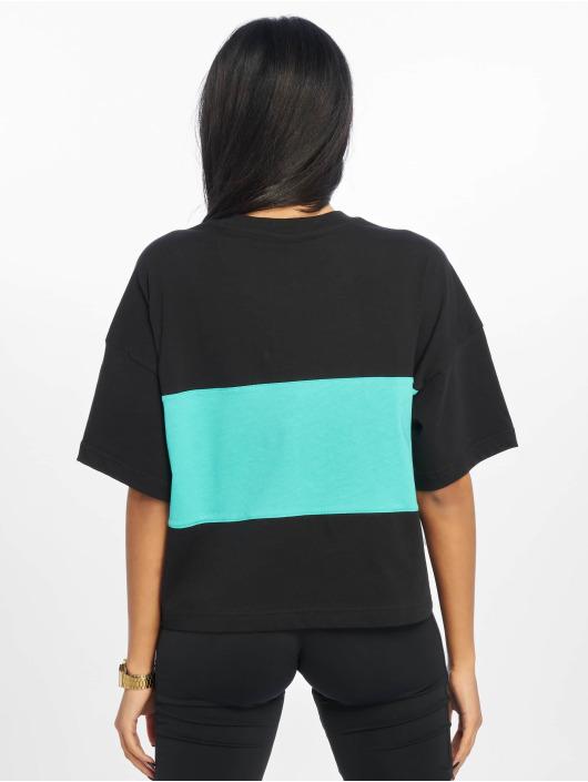 Reebok T-skjorter Classic V P Cropeed svart