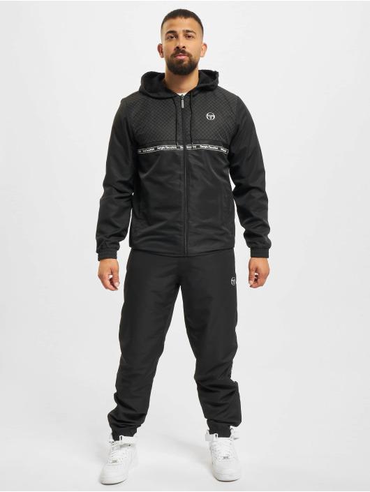 Sergio Tacchini Obleky Napier čern