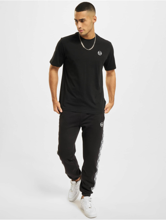 Sergio Tacchini T-skjorter Sergio svart