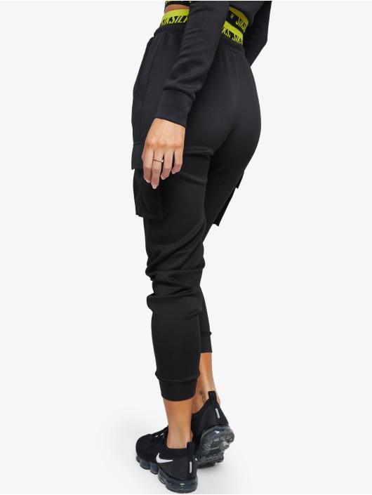Sik Silk Spodnie do joggingu Divergent czarny