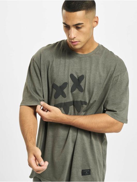 Sik Silk T-Shirty X Steve Aoki S/S Essential szary