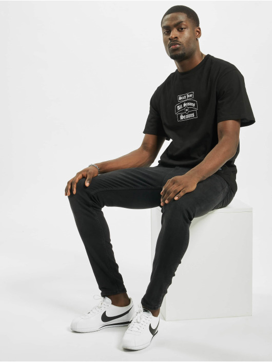 Sixth June t-shirt Goth Season zwart