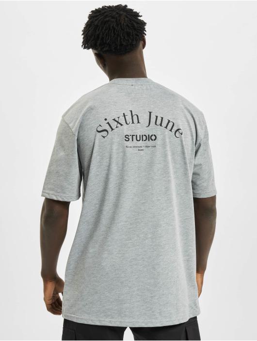 Sixth June Tričká Studio šedá