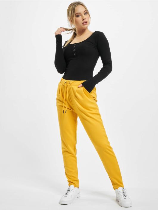 Stitch & Soul Pantalon chino Leni jaune