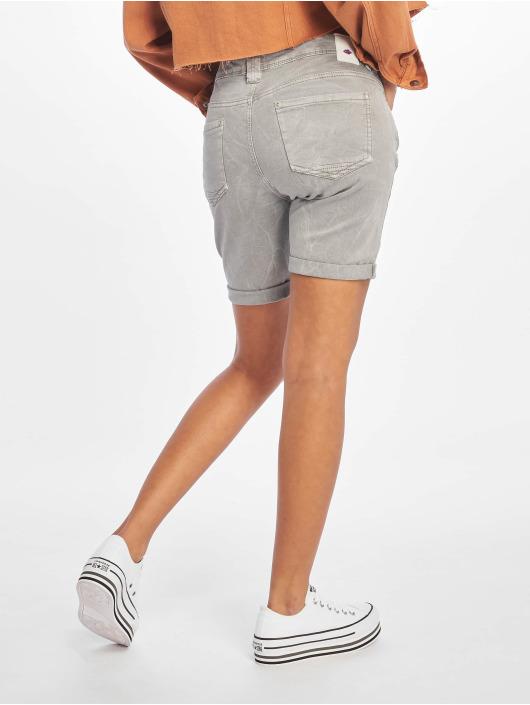 Stitch & Soul Shorts Dina grå