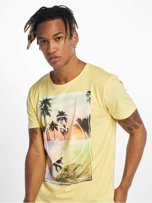 Stitch & Soul t-shirt Living Paradise geel
