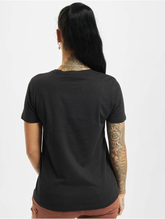 Stitch & Soul T-shirt Hearted svart