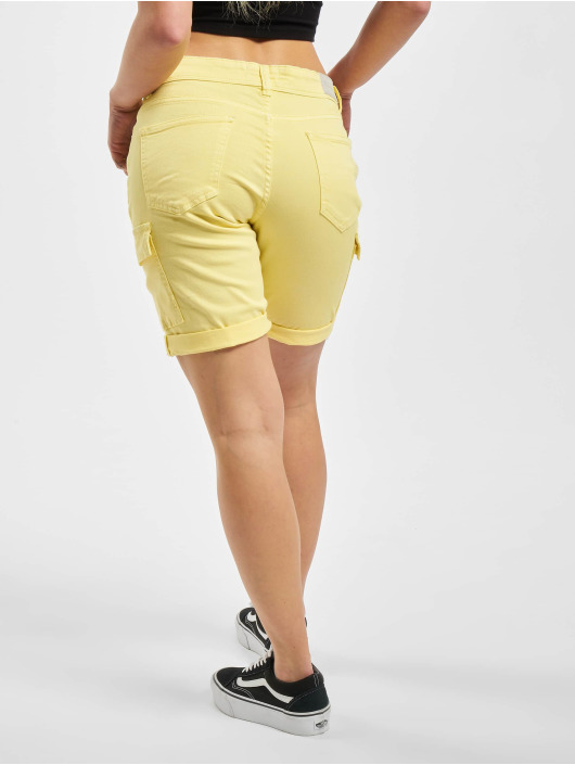 Sublevel Short Peja jaune