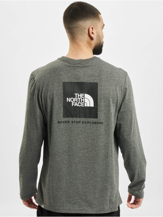 The North Face Longsleeves Red Box šedá