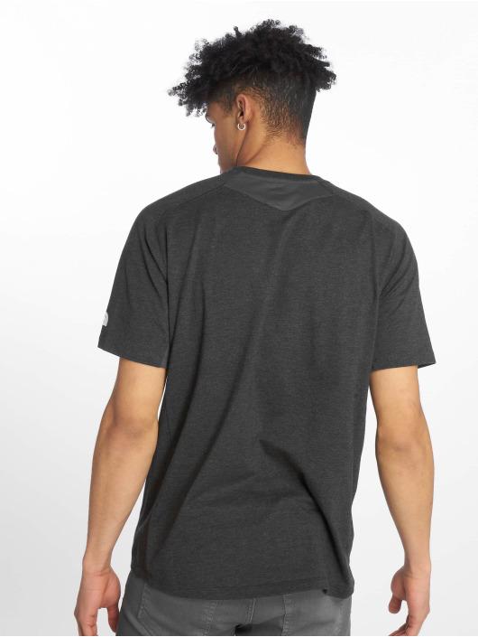 The North Face T-skjorter Wicke Graphic Crew grå