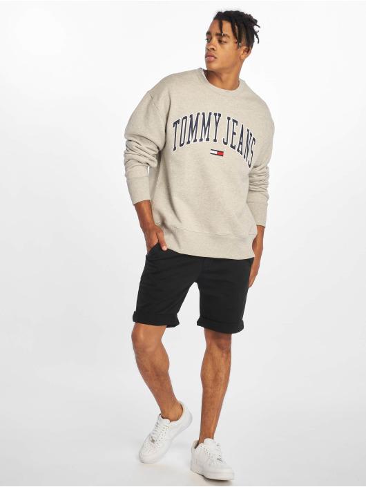Tommy Jeans shorts Essential zwart
