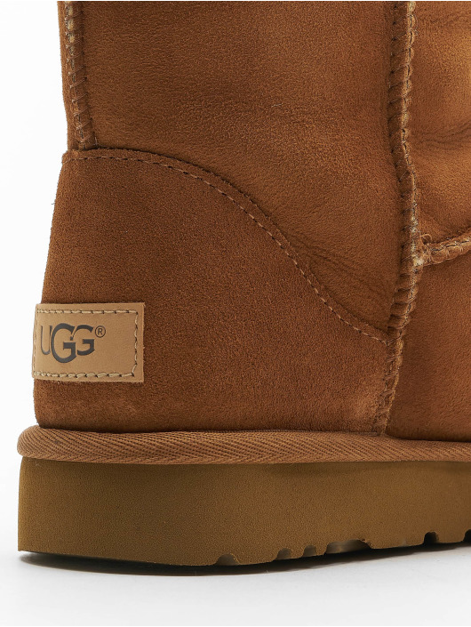 UGG Boots Classic Short II marrón