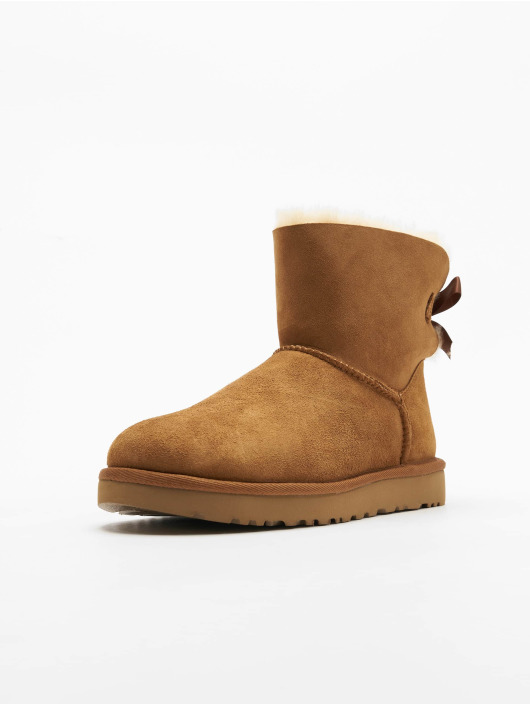 UGG Boots Mini Bailey Bow II marrón