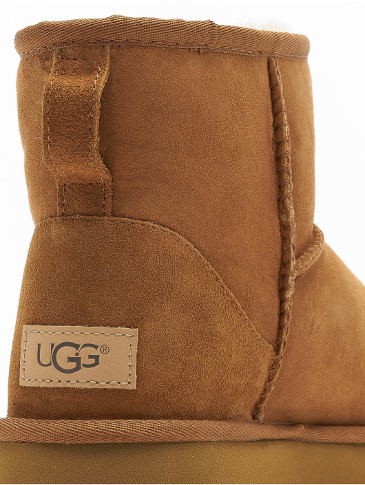 UGG Boots Classic Mini II marrone