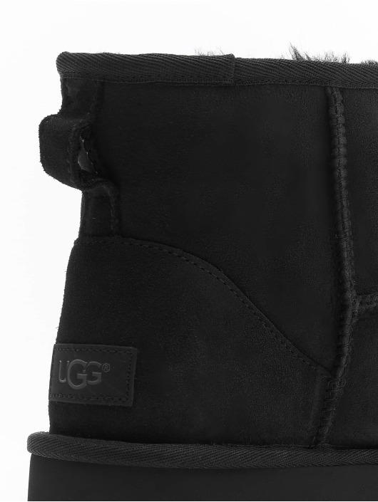 UGG Vapaa-ajan kengät Classic Mini II musta