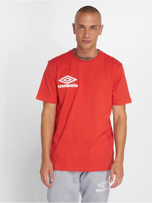 Umbro Camiseta Classico Crew Logo rojo