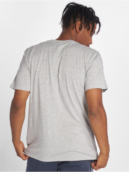 Umbro T-skjorter Taped Crew grå