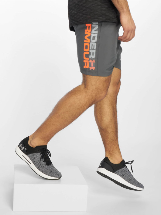 Under Armour Shorts Woven Graphic Wordmark grau