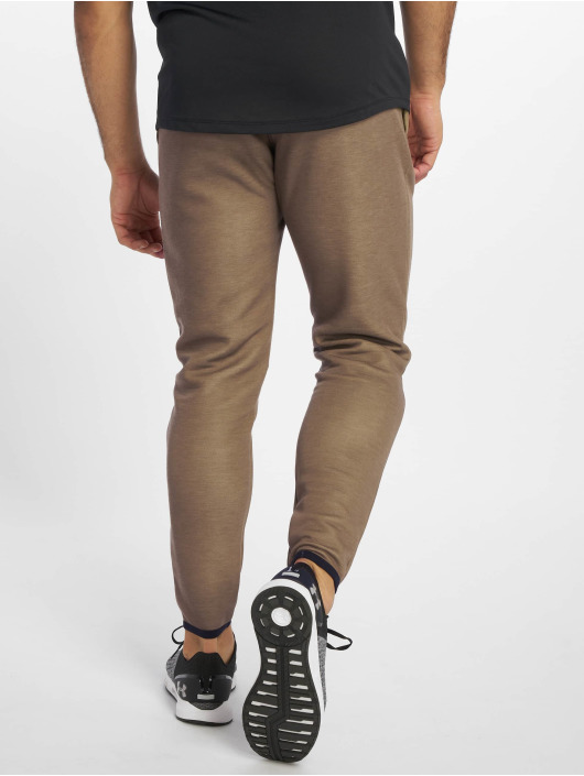 Under Armour Sweat Pant Unstoppable Move brown
