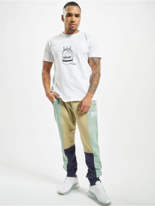 UNFAIR ATHLETICS Спортивные брюки No Limit зеленый