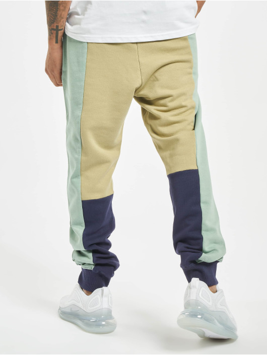 UNFAIR ATHLETICS Jogging kalhoty No Limit zelený