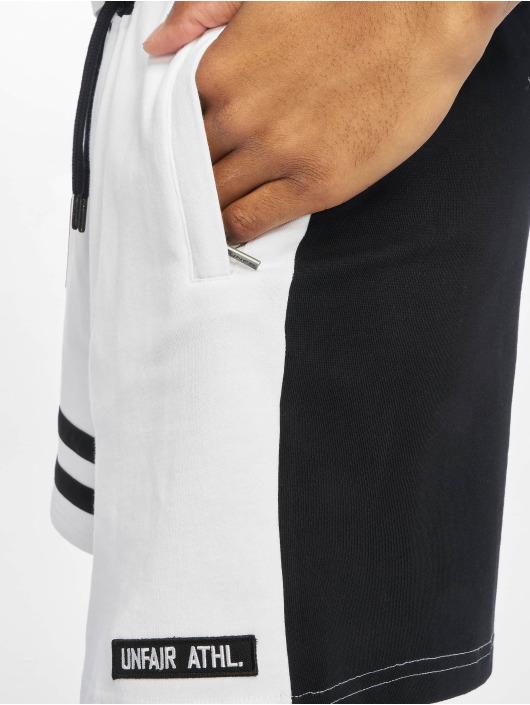 UNFAIR ATHLETICS Shorts DMWU hvit