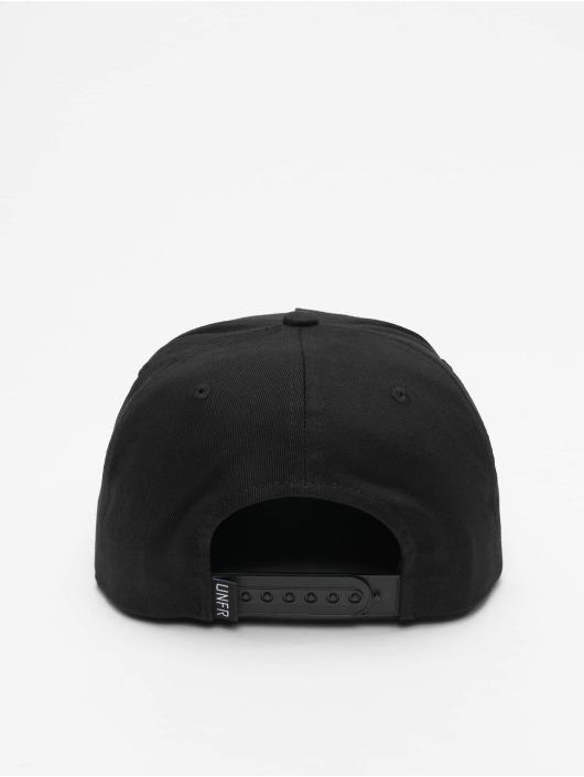 UNFAIR ATHLETICS Snapback Cap Classic Label schwarz