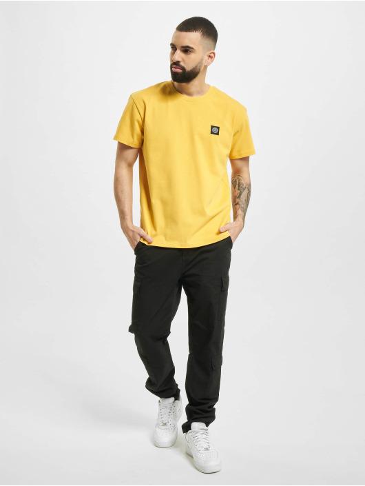 UNFAIR ATHLETICS T-Shirt Dmwu Patch jaune
