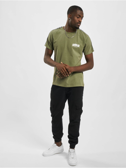 UNFAIR ATHLETICS T-Shirt Classic Label Taped olive