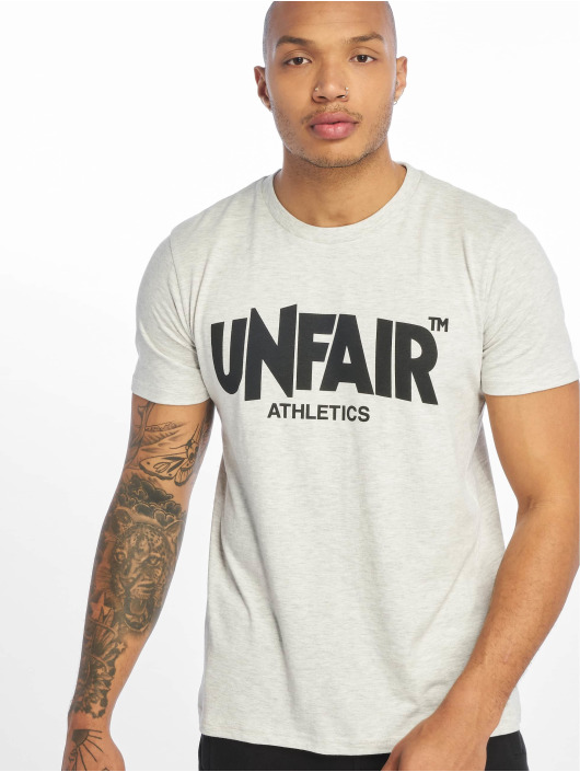 UNFAIR ATHLETICS t-shirt Classic Label '19 wit