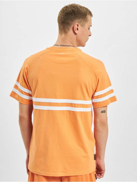 UNFAIR ATHLETICS T-skjorter Dmwu oransje