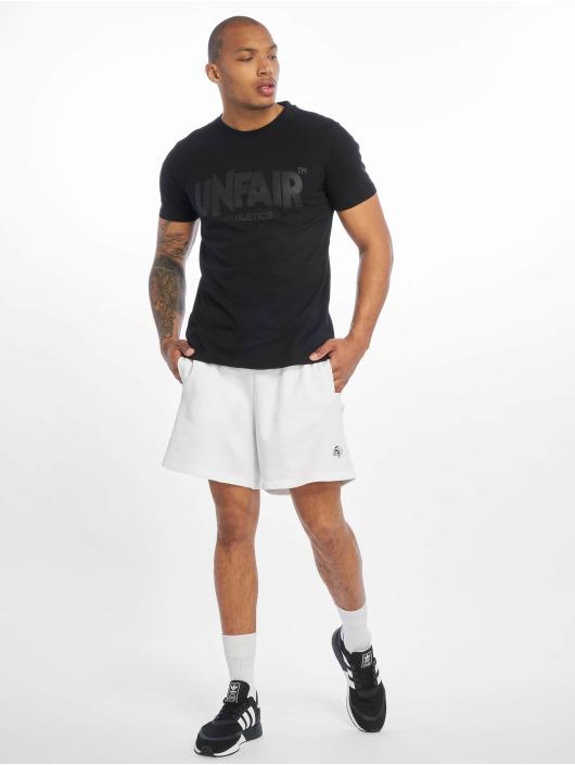 UNFAIR ATHLETICS T-skjorter Classic Label svart