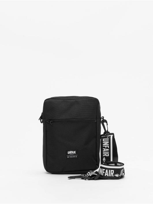 UNFAIR ATHLETICS Väska Hybrid Pusher svart