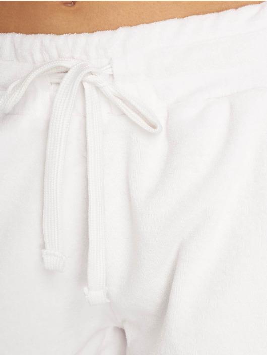 Urban Classics Šortky Towel biela