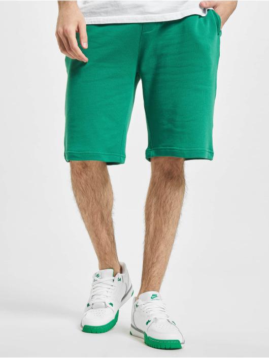 Urban Classics Šortky Basic zelený