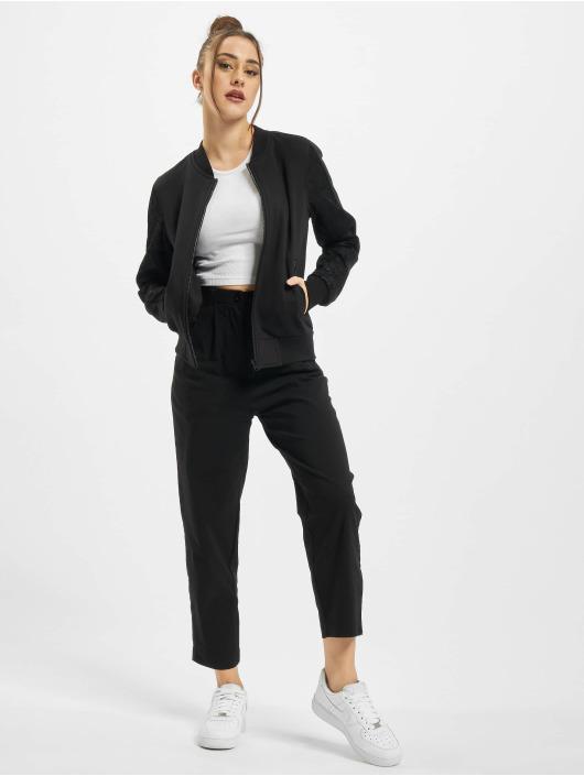 Urban Classics Bomberová bunda Ladies Lace èierna
